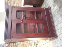 Wetherlys Lampung beautiful bookcase/display cabinet