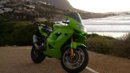 KAWASAKI 1998 ZX9R complete or as spares