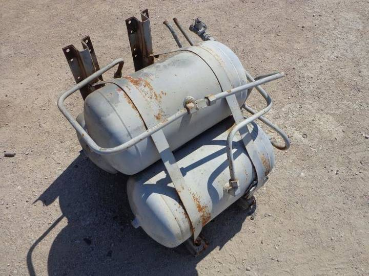Volvo AIRTANKS FROM air tank for  F88-F89 tractor unit - 1977