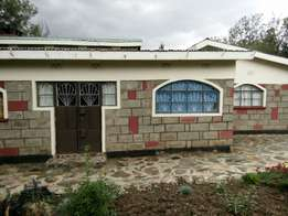 3 bedroom bangalow to let nanyuki