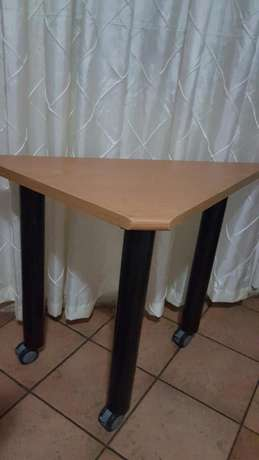 L-Shape desk East Rand - image 3