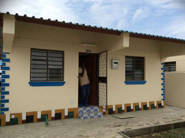 Eloquent 2 bedroom Own compound Bungalow FOR SALE Kiembeni Mombasa Island - image 2