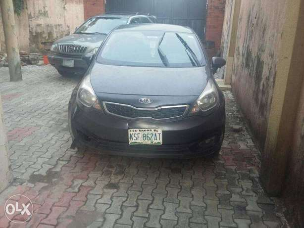 super clean kia rio 2011 model for 1.2m Lekki - image 5