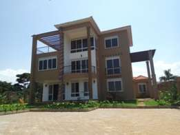5bedroom newly built executive home for sale in munyonyo