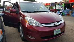 Neatly Used Toyota Sienna 2008 for sale
