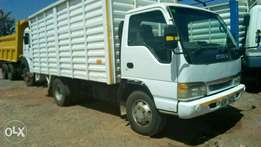 Very clean Isuzu ELF .powerful 5.2 cc engine truck