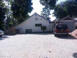 Prime 4bedrooms bungalow for office use very secure neighborhood