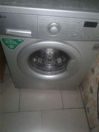 6kg LG Automatic Washing machine Port-Harcourt - image 2
