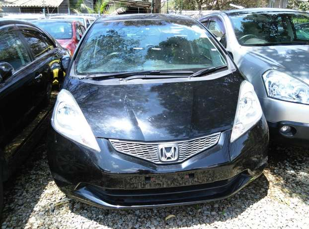 Black 2009 Honda Fit,1300CC,Grey Interiors,Dvd Player,Alloy rims Wheel Nairobi CBD - image 1