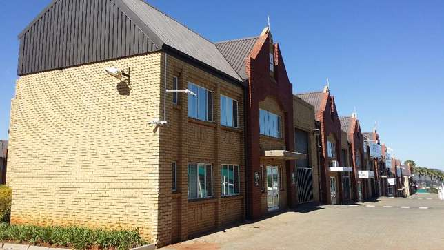 Industrial warehouse space to let Johannesburg - image 3