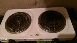 Pyramid Electric Cooker. 2 burner. in full perfect condition. Call Gif