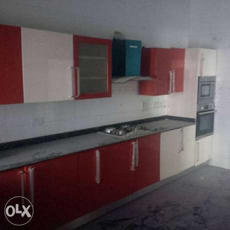 A tastefully finished, serviced & brand new 3bedroom terrace Duplex. Asokoro - image 7