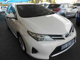 2014 Toyota Auris 1.6 xi For R 160000