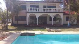 Alluring 5 bedroom own maison TO LET Nyali