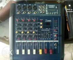 4 Channels Powered Mixer