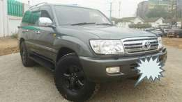 Toyota Landcruiser VX - Diesel with Sunroof, 7 seater
