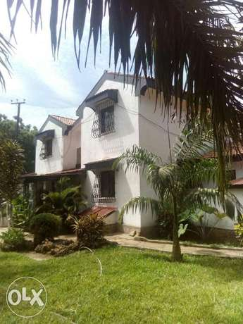 A luxurious 4bdrm mansionate on a half acres Land for sell nyali MSA Nyali - image 1