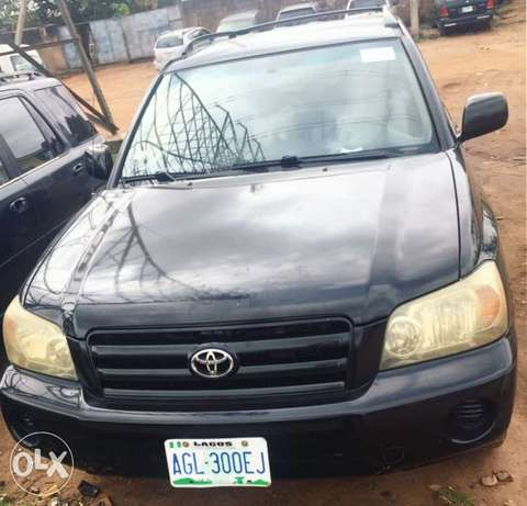 Newly register 2005 Toyota Highlander 3rows seats with good usage Lagos Mainland - image 6