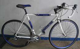 Trek road bike. R2850