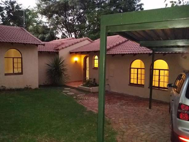 Sharonlea 3 Bedroom House Available for Rent Sharonlea - image 1
