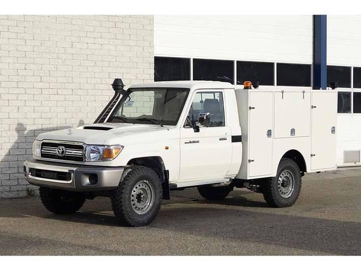 Toyota LANDCRUISER 4X4 MOBILE WORKSCHOP TRUCK - 2017