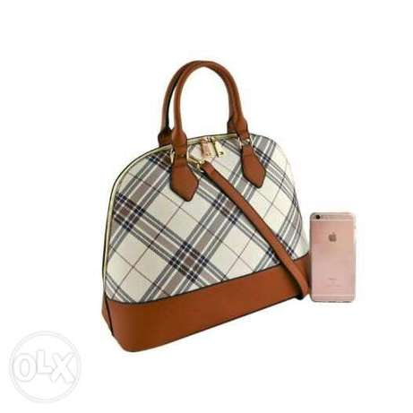 UK Designers Inpired Burberry Tote Bag Port-Harcourt - image 1