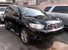 tokunbo 2008/2009 toyota highlander full option for sale