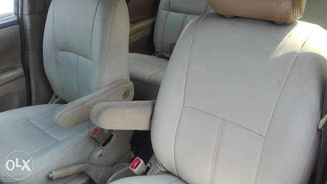 Toyota picnic super clean 7seater auto buy and drive 2000cc Hurlingham - image 8