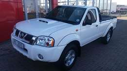 Long Wheelbase Nissan Bakkie for sale!