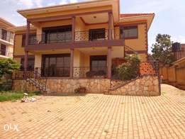 Kyanja, 6 bedrooms house on sale