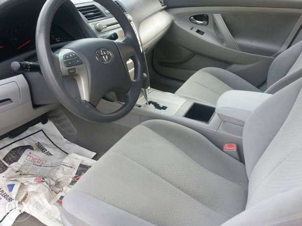Clean toks 09 camry Ojo - image 7