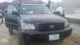 Neatly used Toyota highlander 2002 model for sale.6