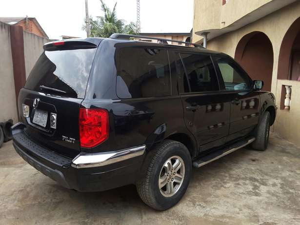 Super Clean 2005 Honda Pilot. Tokunbo. Accident free. Lagos Cleared Oshodi/Isolo - image 2