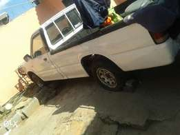 i m selling a body of a mazda b2000