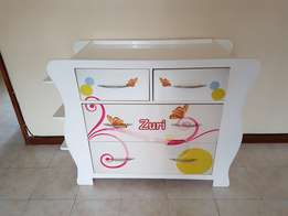 Baby crib and changing station