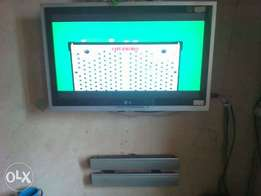 Very neat 32 inches LG LCD Television