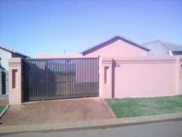 Two bedroom house for sale in Protea Glen Ext 22, R470 000