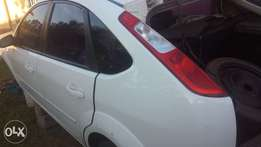 stripping ford focus parts 2.0 TDCI