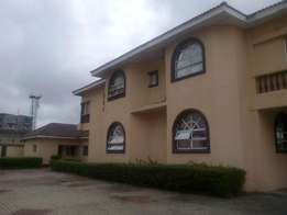 A Lovely 7 Rooms Town House for Rent