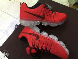 Vapour max(Nike)
