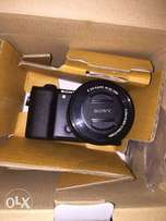 Sony a5100 camera with 16-50mm lens