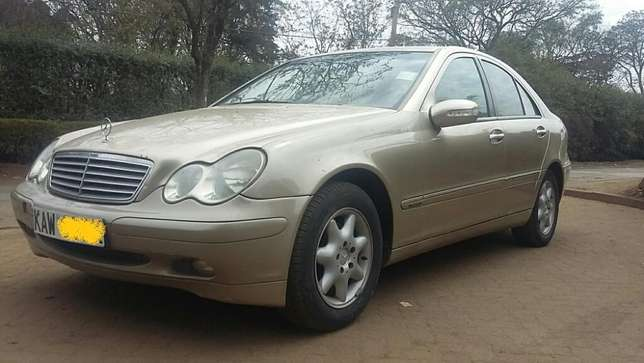 Mercedes Benz C200,KAW,Auto,Petrol,2001,Ksh 790,000 Negotiable Hurlingham - image 1