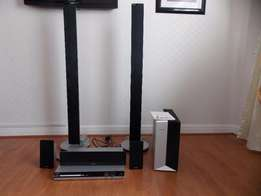 Phillips DVD USB Home Theater System HTS3357