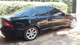 Mercedes Benz C180,2006,lady owner,Black colour