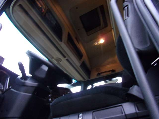 Mercedes-Benz Actros 1845LS SZM, Retarder, Assitent, Stream - 2015 - image 9