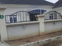 To let 3bedroom bungalow with 2 rooms bq at global estate