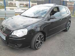 Vw Polo 1.8 Gti 2009 Model with sunroof and leather interior 4 Doors