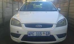 2007 ford focus 2.0 si a/t. good condition.