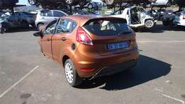 FORD FIESTA 1.6i Trend 5Dr Stripped parts