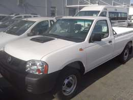 // New Nissan NP300 2.5 Turbo Diesel MID SE Special //